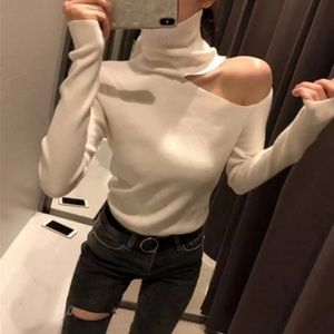 Sweaters - 🎉Just in!!! Soft Off shoulder Turtleneck Sweater